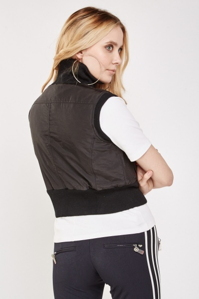 Sleeveless D-Ring Trim Gilet