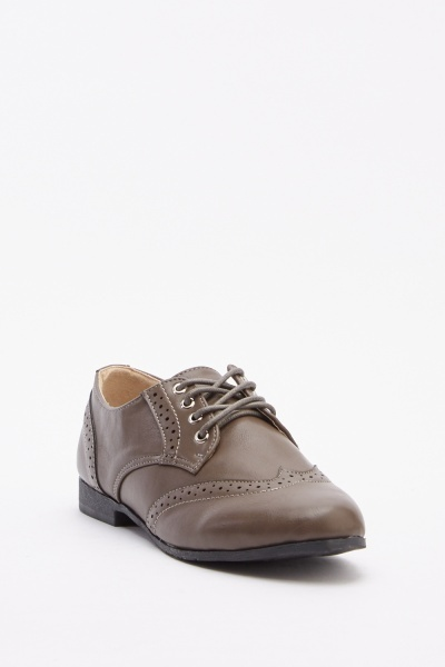 Low Top Lace Up Brogues
