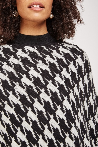 Houndstooth Pattern Poncho