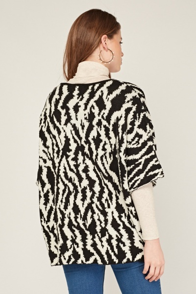 Monochrome Loose Jumper