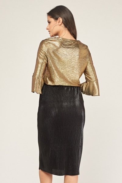 Metallic Flare Sleeve Top