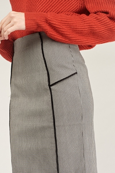 Nail-Head Pattern Midi Skirt