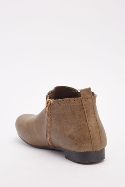 Elasticated Band Chelsea Boots