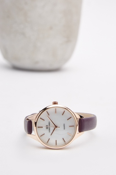 Classic Ladies Strap Watch