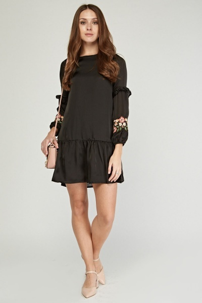 Embroidered Bishop Sleeve Tunic Dress