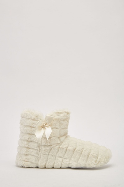 Bow Side Fluffy Slippers