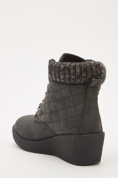 Contrasted Quilted Wedged Boots