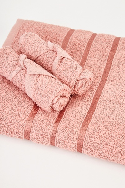 Textured Set Of 3 Towels
