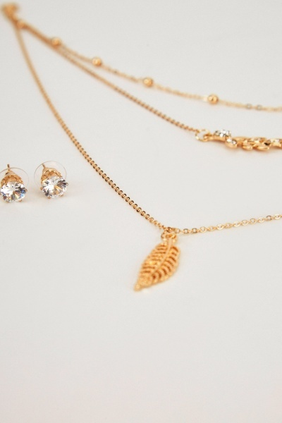 Layered Pendant Necklace And Stud Earrings Set