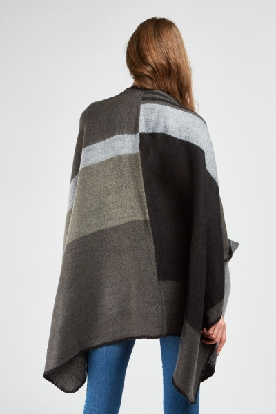Animal Checkered Contrast Poncho