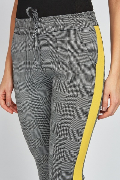 Tapered Stripe Side Plaid Trousers