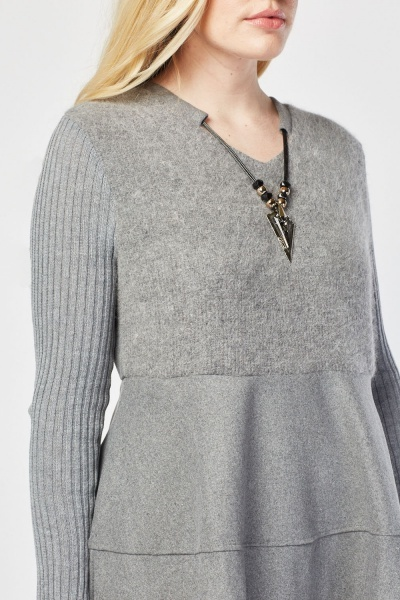 Necklace Attached Knit Contrast Dress