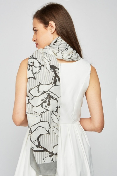 Large Scale Flower Print Scarf