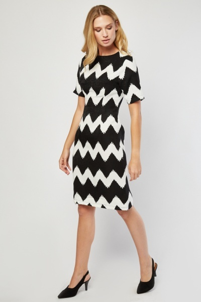Zig-Zag Print Pencil Dress