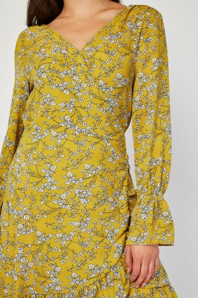 Bell Sleeve Ditsy Floral Print Dress