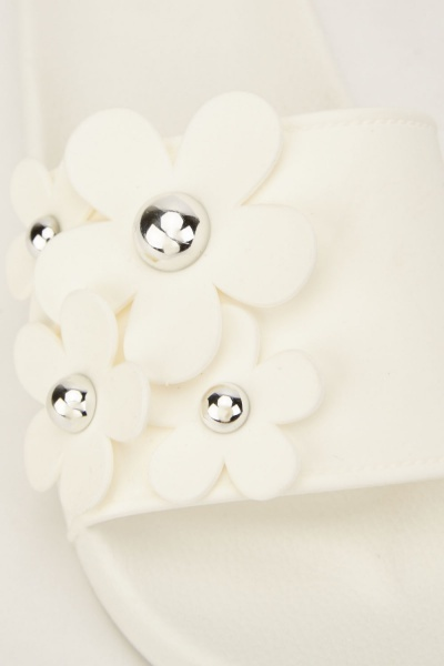 3D Studded Flowers Sliders