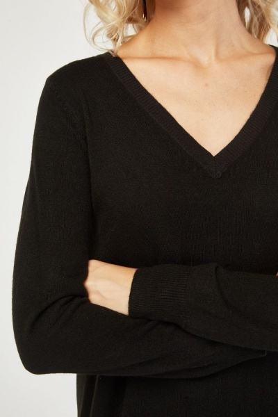 V-Neck Long Line Knit Sweater