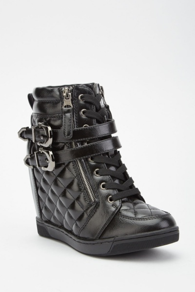 Quilted Buckled Wedged Boots