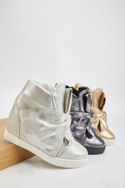 Metallic Bow Trim Wedge Boots