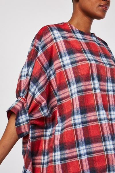 Oversized Dip Hem Checkered Top