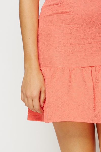 Frilled Hem Textured Dress