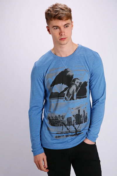 Graphic City Skyline Top