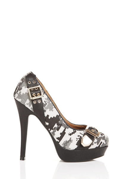 Camouflage Print Buckled Shoes