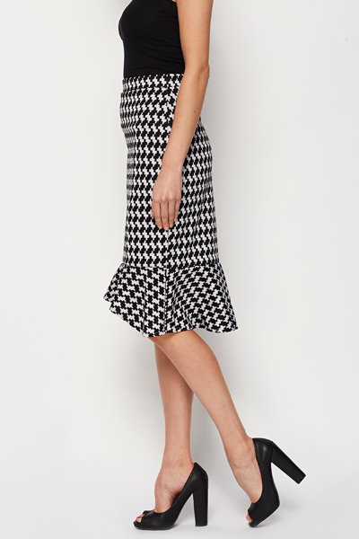 Dogtooth Print Skirt