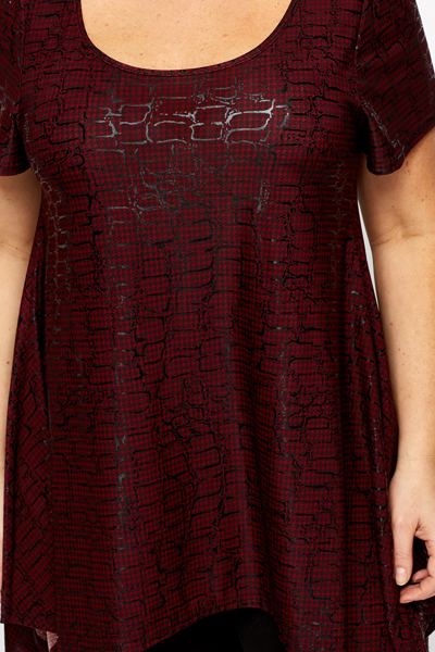 Dogtooth Graphic Check Maroon Tunic