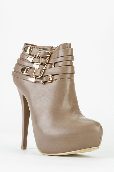 Buckle Side Heeled Boots