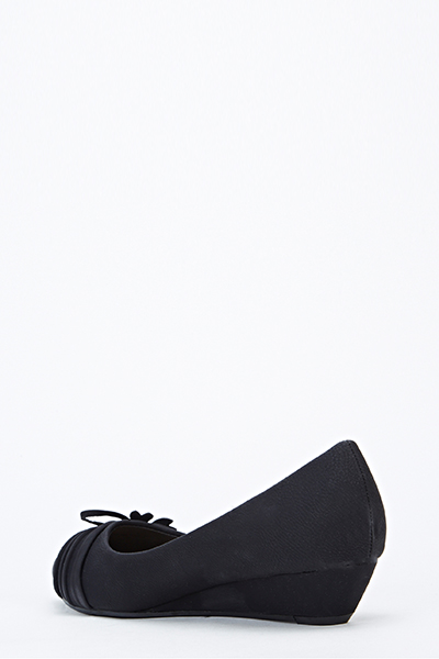 Low Wedge Bow Front Shoes