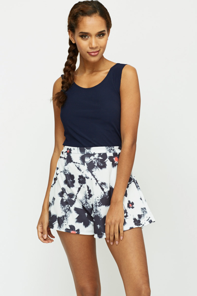 Printed Pleated Shorts