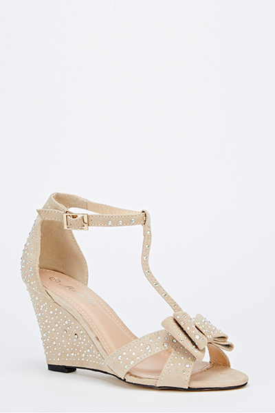 Diamante T-Bar Wedges