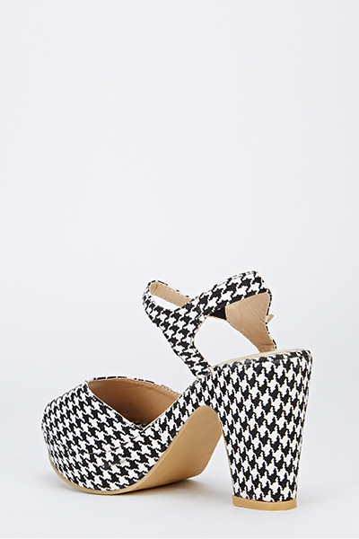 Hounds Tooth Print Mule Sandals