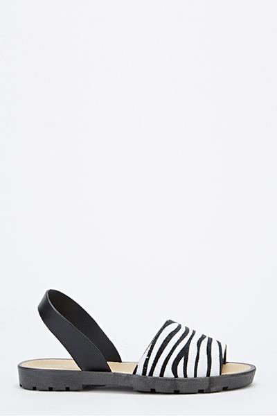 67e535b6e058 Zebra Wide Track Sole Sandals - Just £5