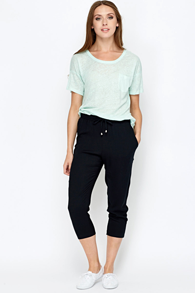 3/4 Black Cropped Leisure Trousers