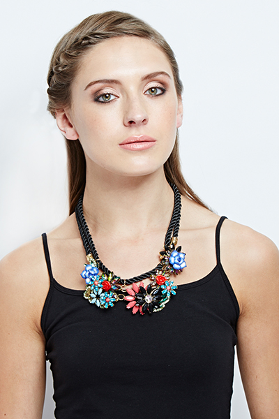 Contrast Flower Rope Necklace