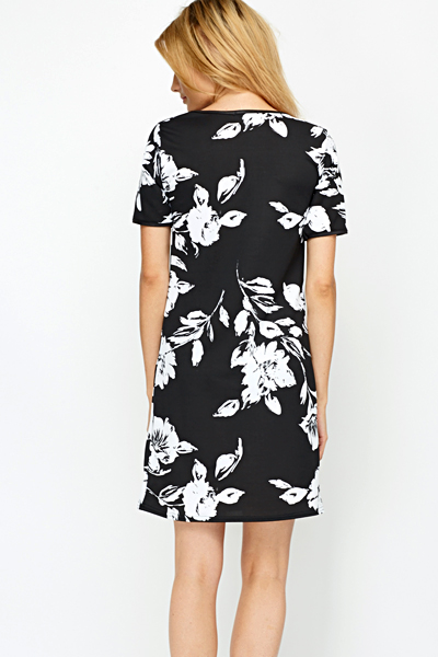 Contrast Flower Shift Dress