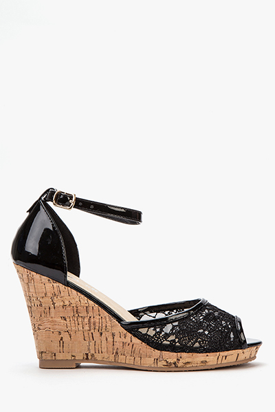 Embroidered Mesh Black Wedges