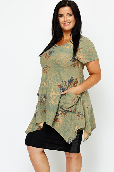 Tapestry Floral Dipped Hem Tunic