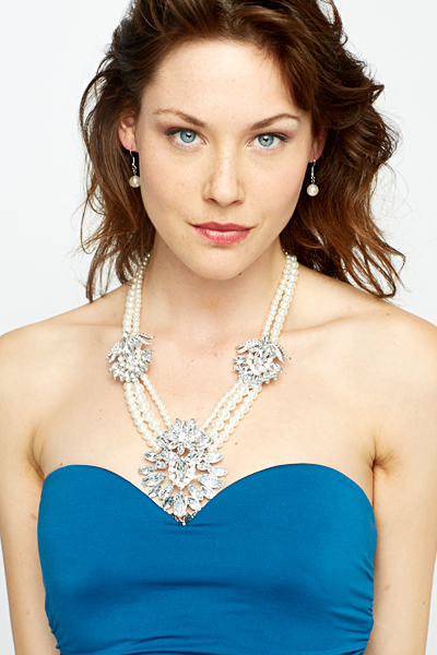 Pearl Chain Encrusted Flower And Earrings Set