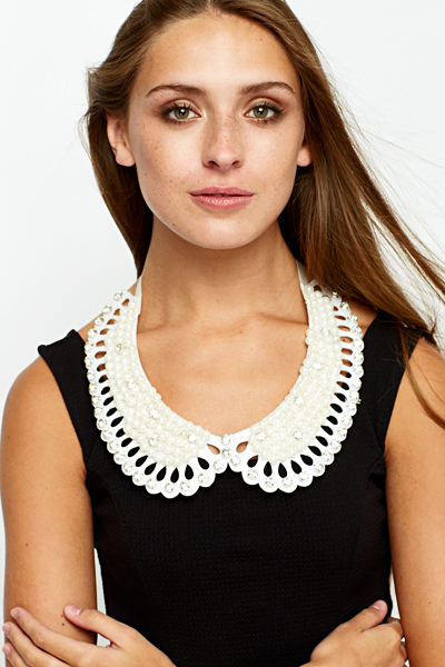 Large Pearl Embellished Collar Necklace