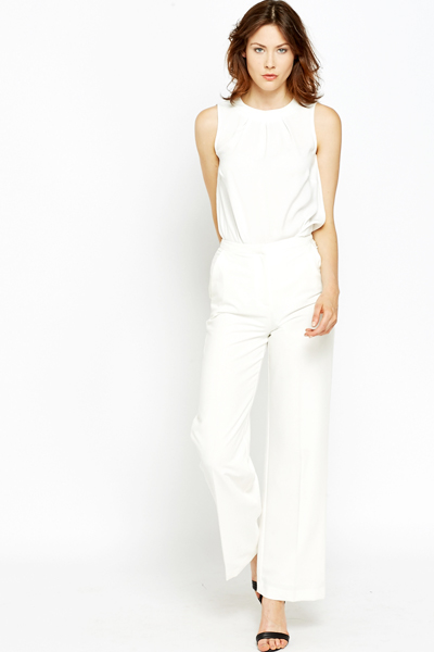 Shop for wide leg high rise white polyester pants and other bottoms products at ShapeShop. Browse our bottoms selections and save today.
