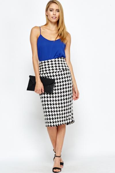 e3d62d1ed High Waisted Houndstooth Midi Skirt - Just £5