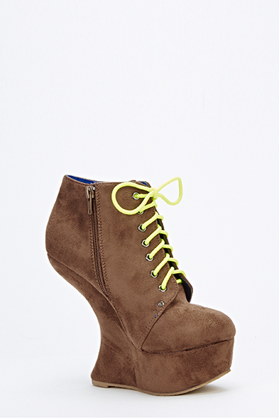 Faux Suede Curve Wedge Shoes