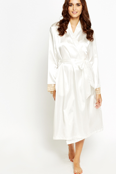 Lace Trim Sleeve Night Gown