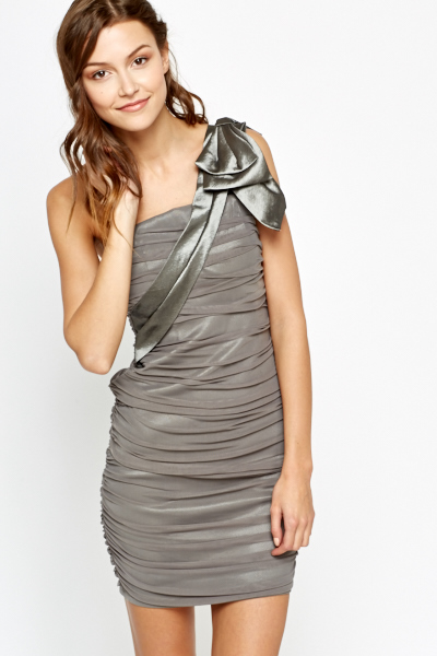 Ruched Bow Detail Bodycon Dress