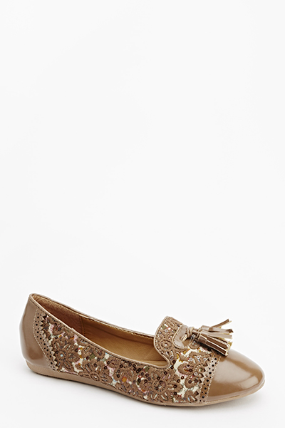 Pointed Embroidered Flats