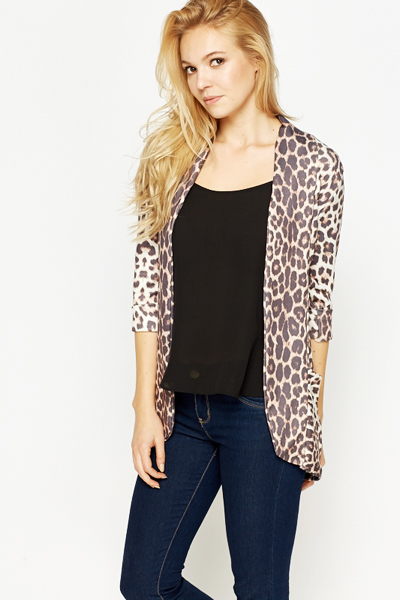 See how others are styling the Leopard Open-front Cardigan Leopard - One Size. Check if your friends own the product and find other recommended products to complete the look.
