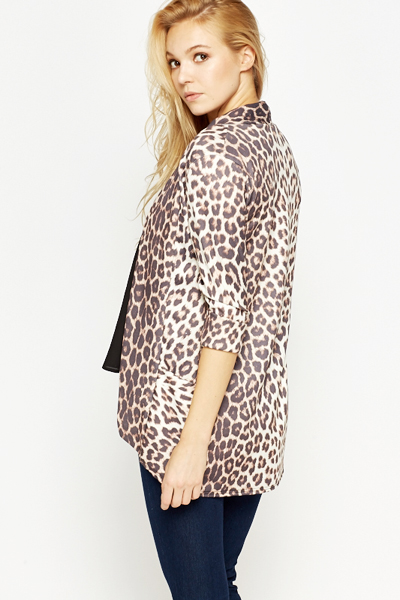 Cozy cashmere keeps you warm with the animal print keeps you stylish in this long sleeved cardigan! Open front. Long sleeves. Double pockets on vip7fps.tk: $